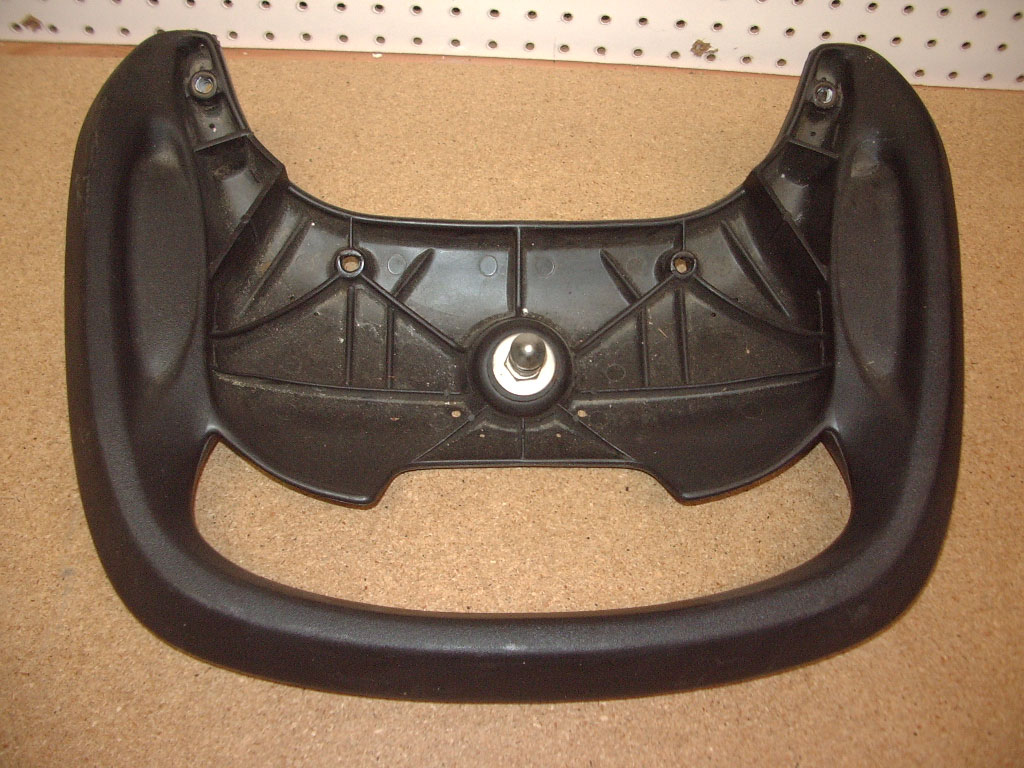 USED REAR GRAB HANDLE (BLACK) WITH LATCH PIN - 2000 GS