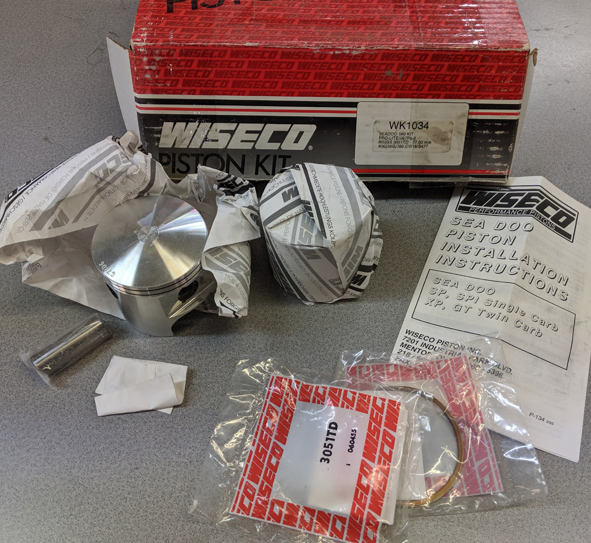 NOS WISECO 580 587 TOP END PISTON KIT (77.5mm)